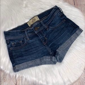 Hollister short-short low rise denim shorts size 1